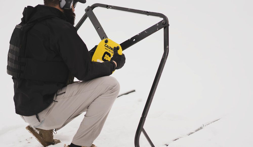 PORTABLE TARGET STAND WITH STRAPS